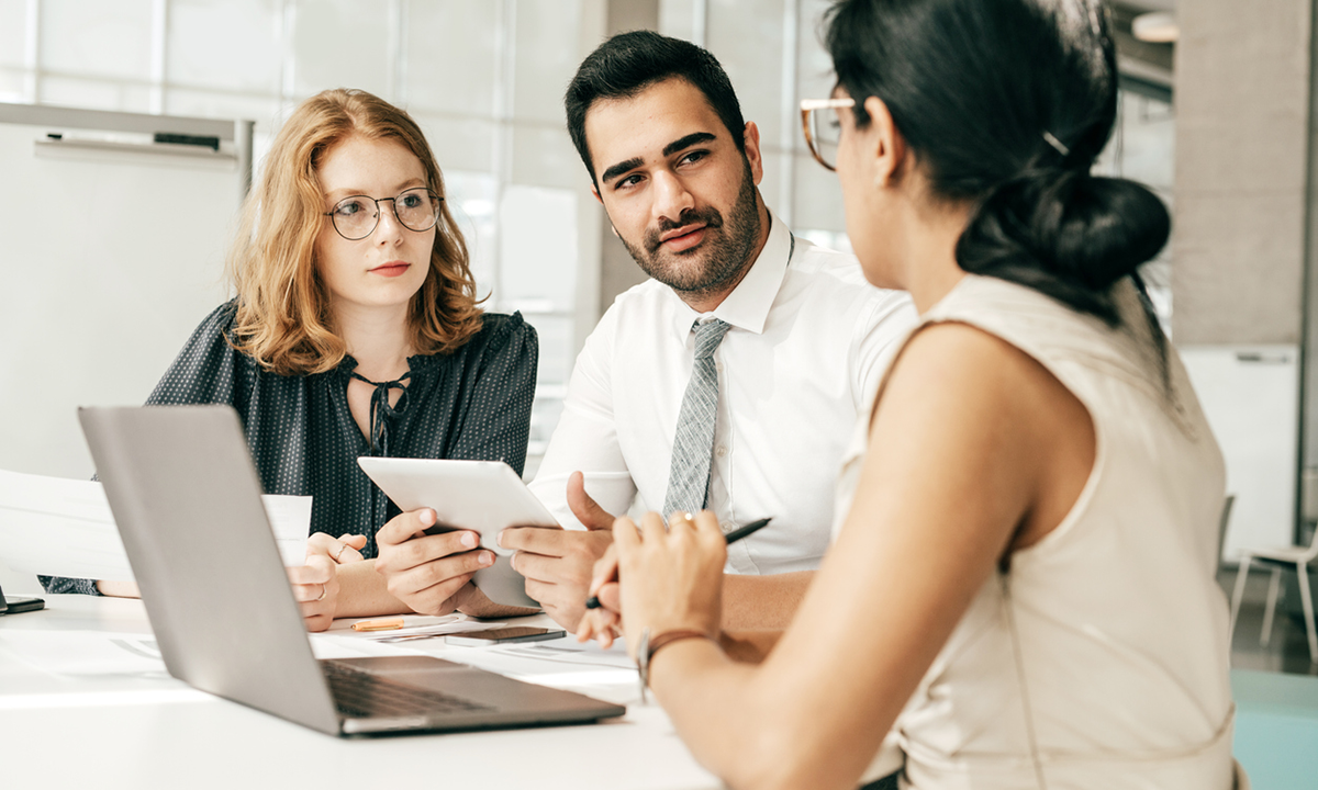 A group of HR Business Partners (HRBPs) discuss people analytics